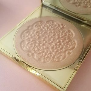 Limited Edition Goddess Glow Highlighter